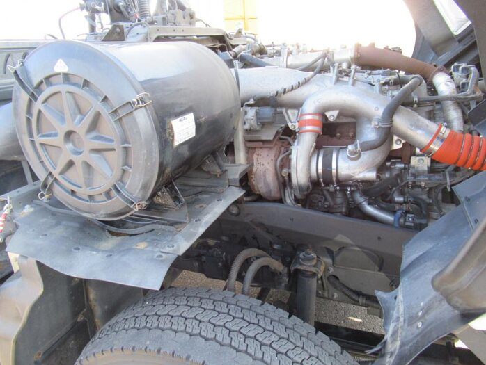 いすゞ ギガ 大型 トラクタ ハイルーフ 1デフ 運転席 トラック 画像 トラック王国掲載