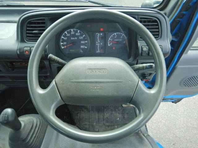 いすゞ エルフ 小型 平ボディ パワーゲート 床鉄板|積載 3t トラック 画像 ステアリンク掲載