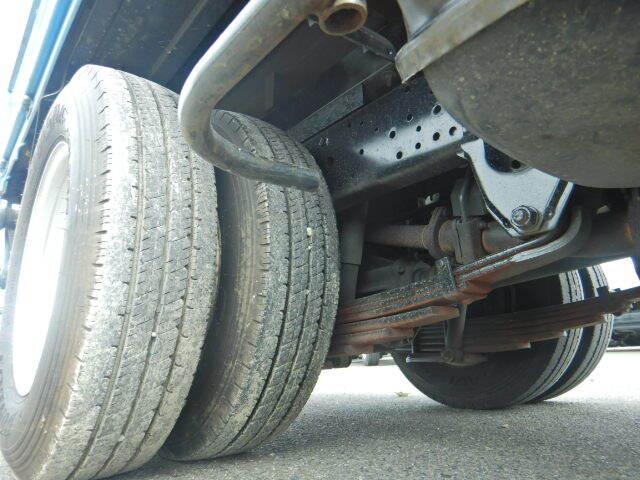 いすゞ エルフ 小型 平ボディ パワーゲート 床鉄板|フロントガラス トラック 画像 トラック王国掲載