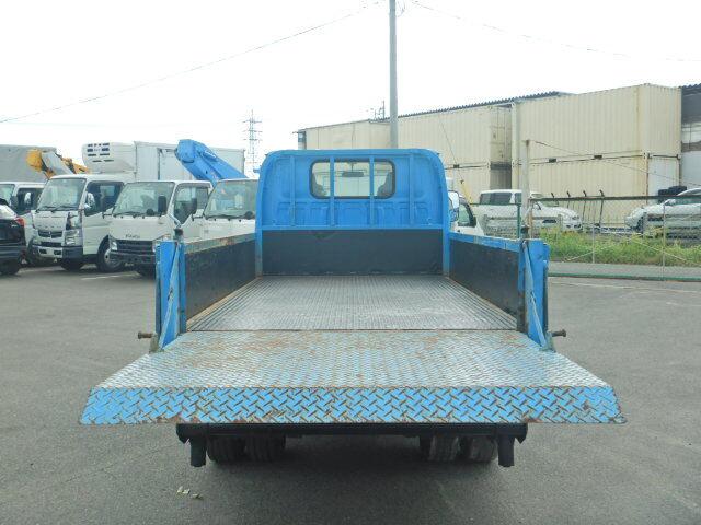 いすゞ エルフ 小型 平ボディ パワーゲート 床鉄板|トラック 背面・荷台画像 トラック市掲載