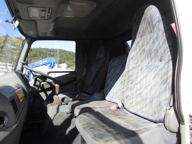三菱 ファイター 中型 クレーン付 4段 ラジコン|運転席 トラック 画像 トラック王国掲載