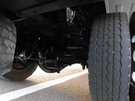 いすゞ フォワード 中型 クレーン付 床鉄板 3段|駆動方式 4x2 トラック 画像 リトラス掲載