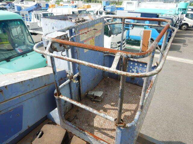 中古 高所・建柱車小型(2トン・3トン) いすゞエルフ トラック H16 KR‐NKR81E3N