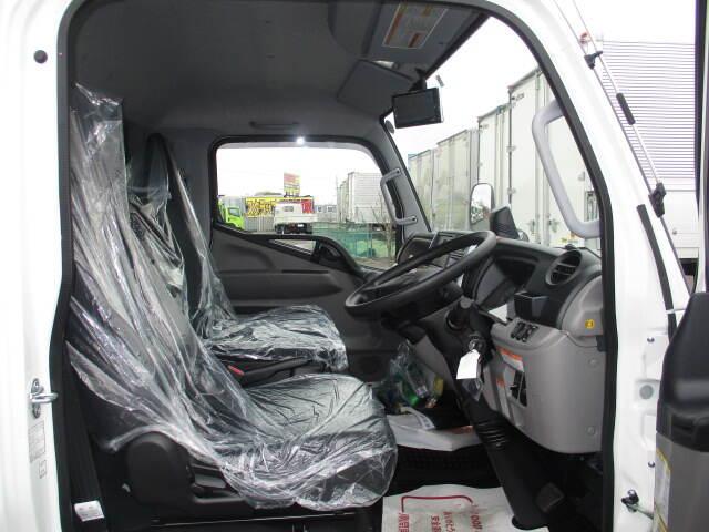三菱 キャンター 小型 ウイング パワーゲート TPG-FEB50|型式 TPG-FEB50 トラック 画像 栗山自動車掲載
