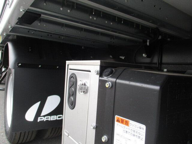 三菱 キャンター 小型 ウイング パワーゲート TPG-FEB50|コーションプレート トラック 画像 リトラス掲載