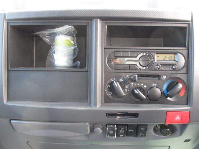 いすゞ エルフ 小型 パッカー車 プレス式 TPG-NMR85AN|フロントガラス トラック 画像 トラック王国掲載