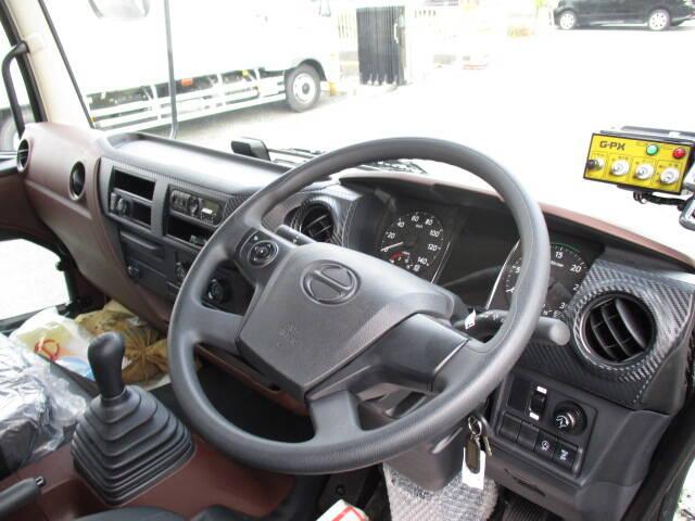 日野 レンジャー 中型 パッカー車 プレス式 2KG-FC2ABA|荷台 床の状態 トラック 画像 トラックサミット掲載