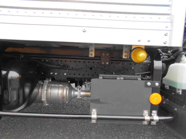 いすゞ エルフ 小型 アルミバン サイドドア TRG-NLR85AN 画像15