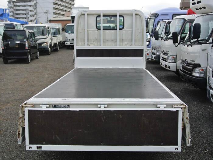トヨタ トヨエース 小型 平ボディ TKG-XZU605 H28|フロントガラス トラック 画像 トラック王国掲載