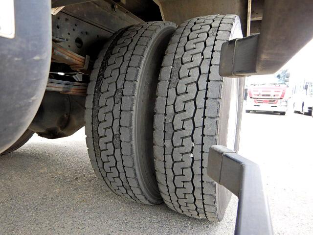 三菱 ファイター 中型 平ボディ 床鉄板 TKG-FK71F|コーションプレート トラック 画像 リトラス掲載