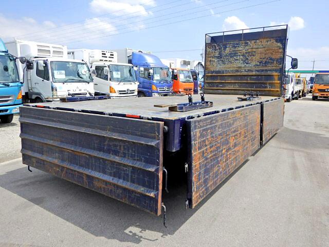三菱 ファイター 中型 平ボディ 床鉄板 TKG-FK71F|トラック 右後画像 リトラス掲載