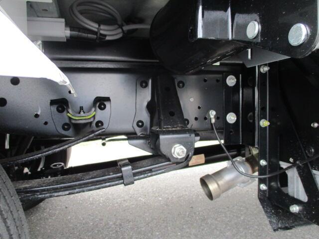 いすゞ エルフ 小型 ウイング TRG-NMR85AN H29|タイヤ トラック 画像 トラック市掲載