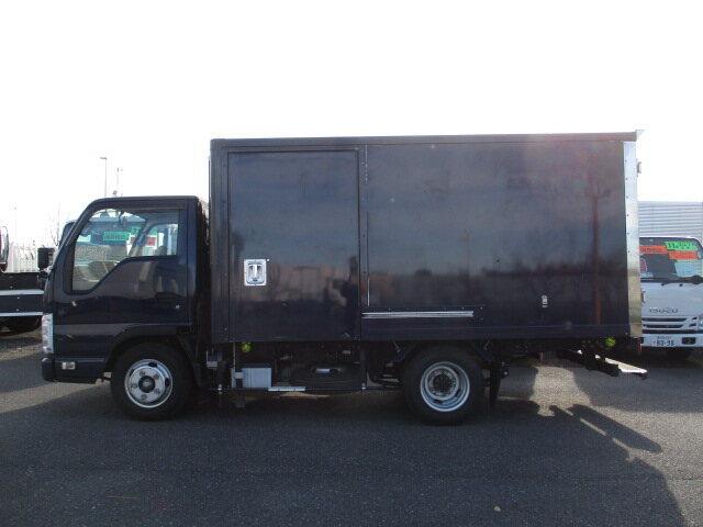 いすゞ エルフ 小型 冷凍冷蔵 低温 2室 トラック 背面・荷台画像 トラック市掲載