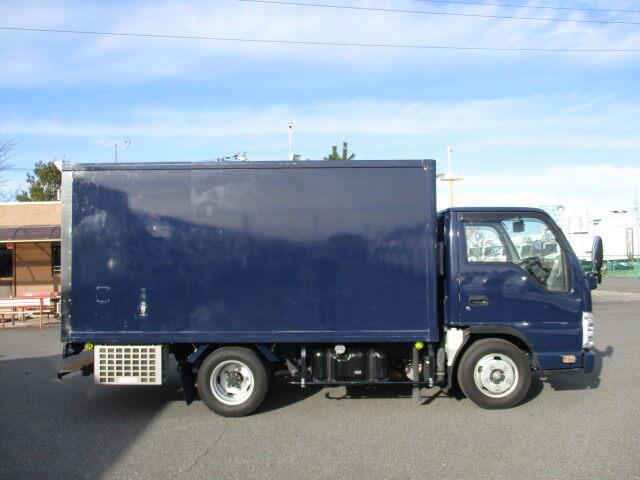 いすゞ エルフ 小型 冷凍冷蔵 低温 2室 リサイクル券 9,170円 トラック 画像 トラック市掲載