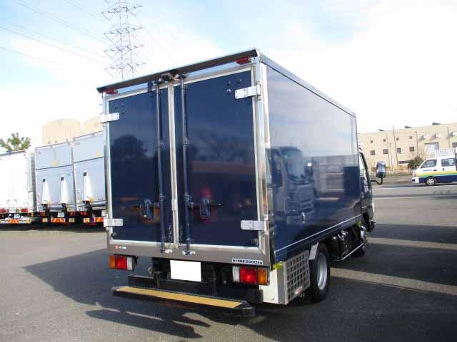 いすゞ エルフ 小型 冷凍冷蔵 低温 2室 トラック 右後画像 リトラス掲載