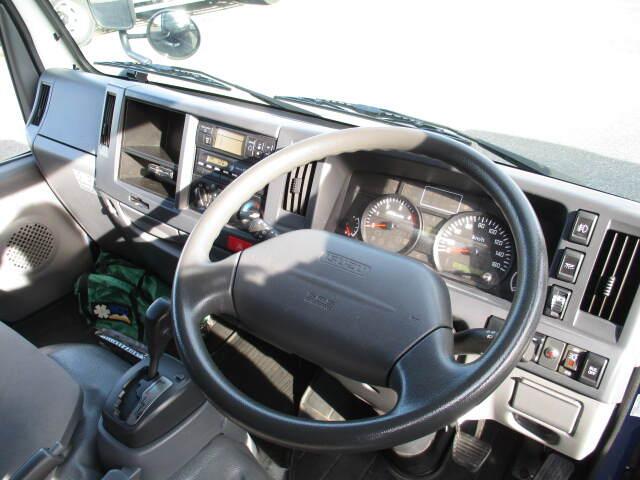 いすゞ エルフ 小型 冷凍冷蔵 低温 2室 車検  トラック 画像 キントラ掲載