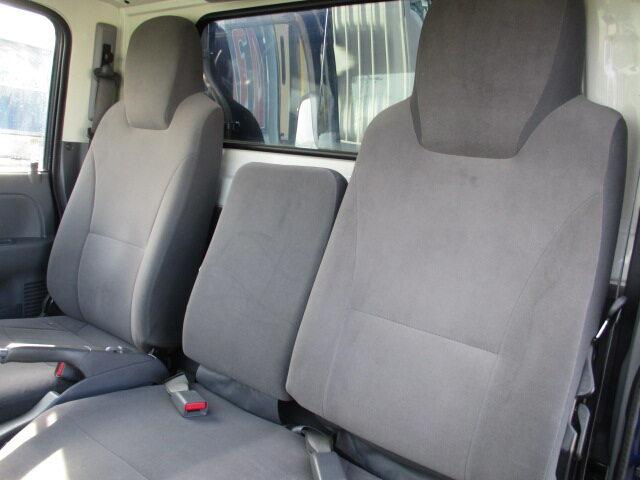 いすゞ エルフ 小型 冷凍冷蔵 低温 2室 運転席 トラック 画像 トラック王国掲載