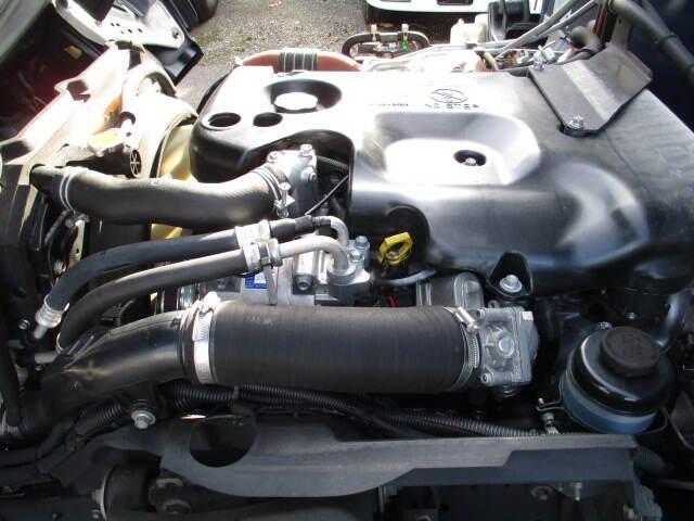いすゞ エルフ 小型 冷凍冷蔵 低温 2室 シフト AT トラック 画像 ステアリンク掲載