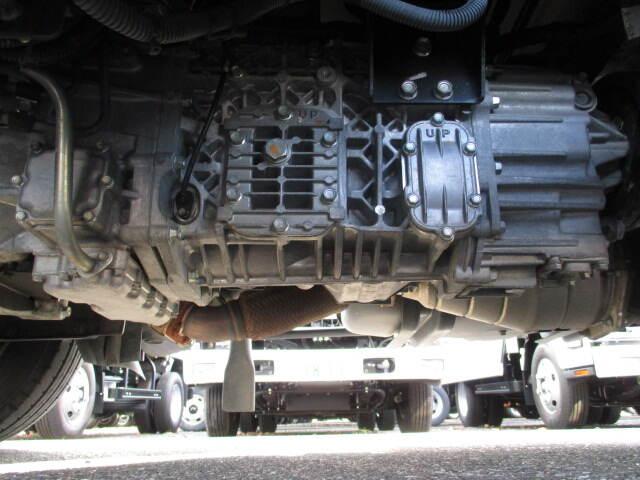 いすゞ エルフ 小型 冷凍冷蔵 低温 2室 シャーシ トラック 画像 キントラ掲載