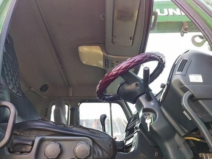 日産UD クオン 大型 トラクタ 2デフ ベッド|走行距離 - トラック 画像 トラックランド掲載