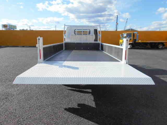 三菱 キャンター 小型 平ボディ パワーゲート 2PG-FEB80|荷台 床の状態 トラック 画像 トラックサミット掲載