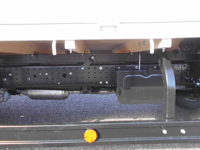 三菱 キャンター 小型 平ボディ パワーゲート 2PG-FEB80|型式 2PG-FEB80 トラック 画像 栗山自動車掲載