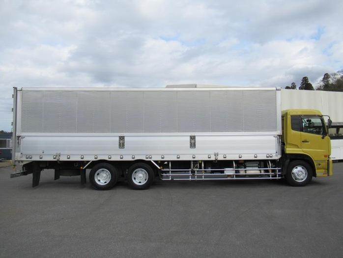 日産UD クオン 大型 ウイング エアサス ジョルダー|トラック 右後画像 リトラス掲載