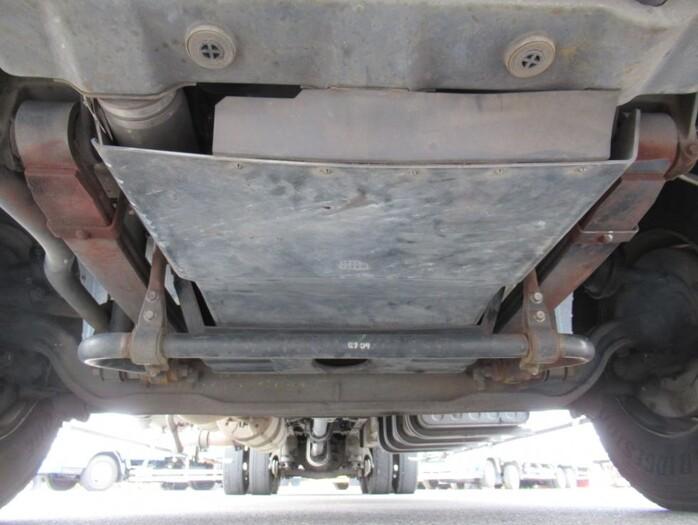 日産UD クオン 大型 ウイング エアサス ジョルダー|運転席 トラック 画像 トラック王国掲載
