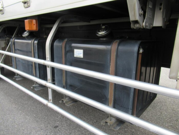 日産UD クオン 大型 ウイング エアサス ジョルダー|走行距離 77.2万km トラック 画像 トラックランド掲載