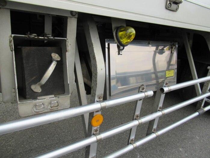 日産UD クオン 大型 ウイング エアサス ジョルダー|シフト AT トラック 画像 ステアリンク掲載