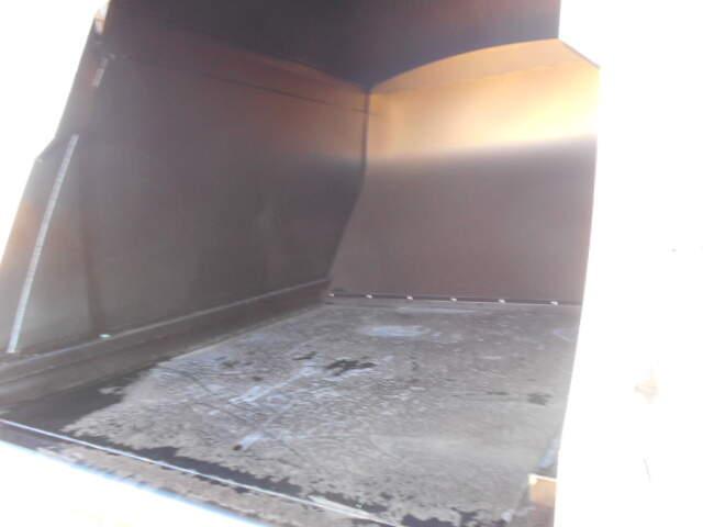 いすゞ フォワード 中型 パッカー車 プレス式 2RG-FRR90S2|荷台 床の状態 トラック 画像 トラックサミット掲載