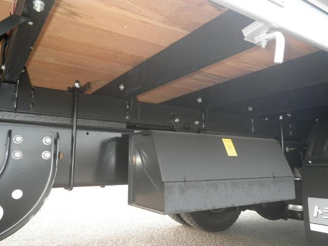 日野 レンジャー 中型 平ボディ アルミブロック エアサス|荷台 床の状態 トラック 画像 トラックサミット掲載