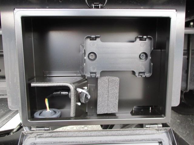 日野 レンジャー 中型 ウイング パワーゲート エアサス|フロントガラス トラック 画像 トラック王国掲載