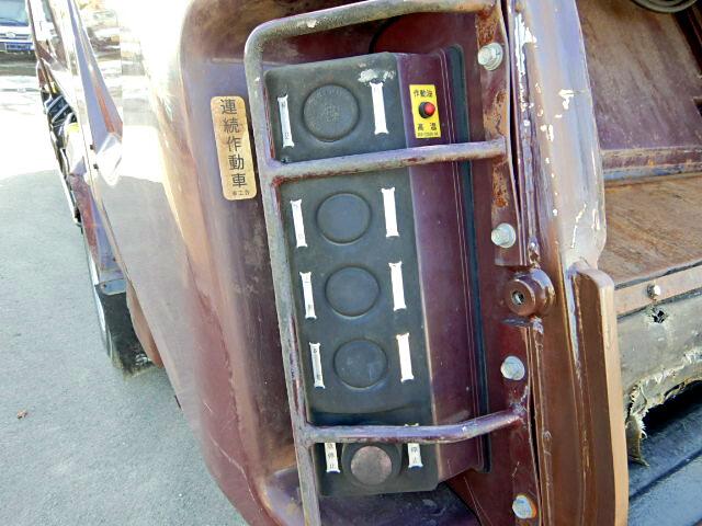 日産UD コンドル 中型 パッカー車 プレス式 SKG-MK38L 荷台 床の状態 トラック 画像 トラックサミット掲載