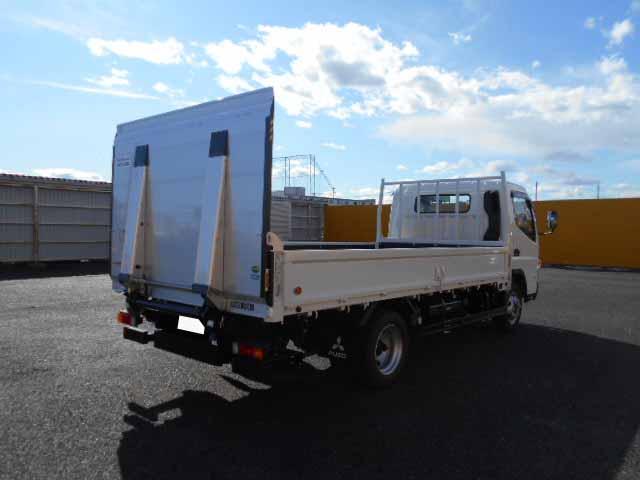 三菱 キャンター 小型 平ボディ パワーゲート 2PG-FEB80|トラック 右後画像 リトラス掲載