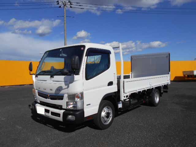 三菱 キャンター 小型 平ボディ パワーゲート 2PG-FEB80|トラック 左前画像 トラックバンク掲載