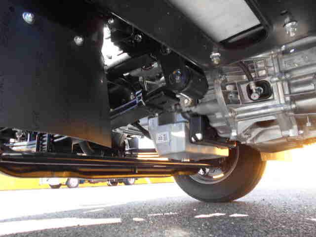 三菱 キャンター 小型 平ボディ パワーゲート 2PG-FEB80|コーションプレート トラック 画像 リトラス掲載