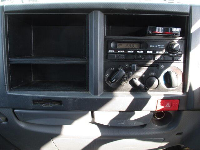 いすゞ エルフ 小型 平ボディ Wキャブ BKG-NJR85A 画像9