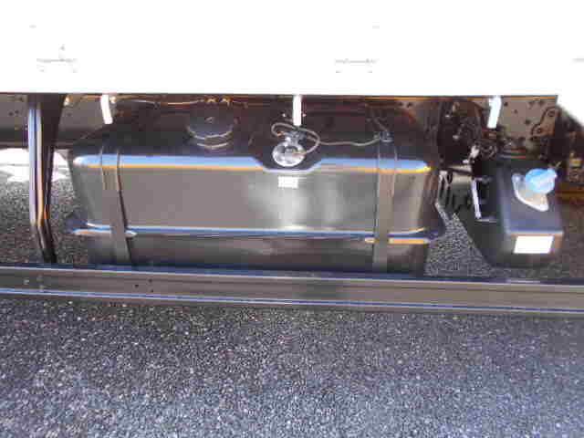 三菱 ファイター 中型 平ボディ アルミブロック ベッド|コーションプレート トラック 画像 リトラス掲載