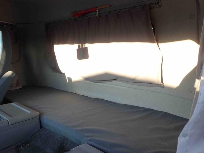 日産UD クオン 大型 ウイング ベッド PKG-CV4XL 画像9