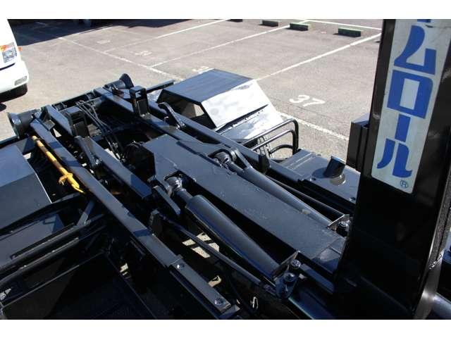 日野 レンジャー 中型 アームロール ツインホイスト ベッド|荷台 床の状態 トラック 画像 トラックサミット掲載