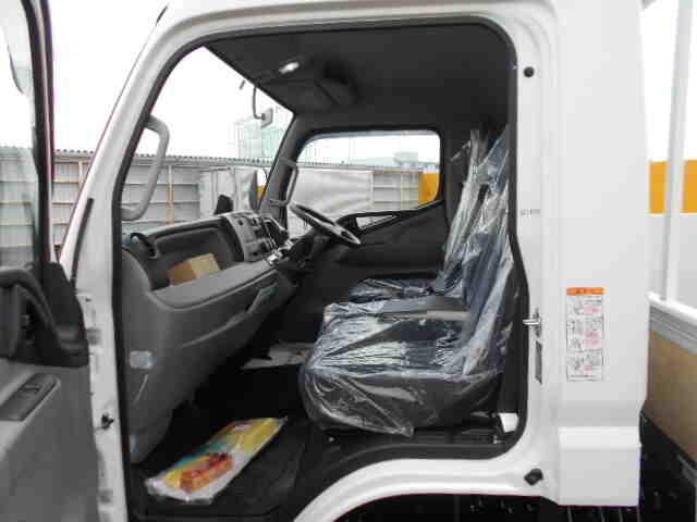三菱 キャンター 小型 平ボディ パワーゲート アルミブロック|フロントガラス トラック 画像 トラック王国掲載