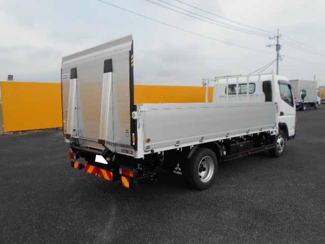 三菱 キャンター 小型 平ボディ パワーゲート アルミブロック|トラック 右後画像 リトラス掲載