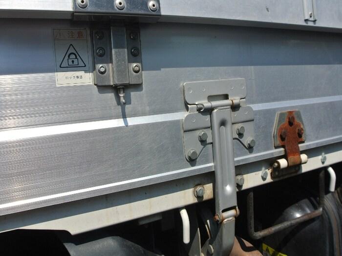 いすゞ エルフ 小型 平ボディ BKG-NJR85A H20 積載 2t トラック 画像 ステアリンク掲載