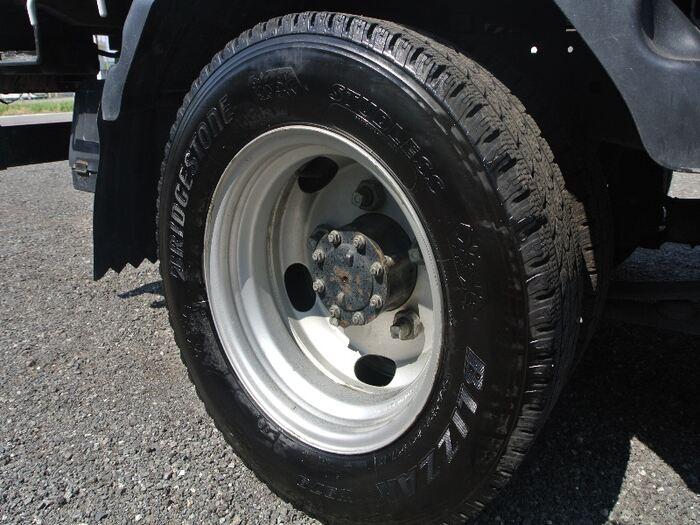 いすゞ エルフ 小型 平ボディ BKG-NJR85A H20 型式 BKG-NJR85A トラック 画像 栗山自動車掲載