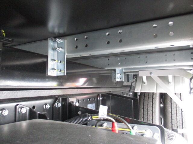 三菱 キャンター 小型 アルミバン サイドドア 2PG-FEAV0 画像17
