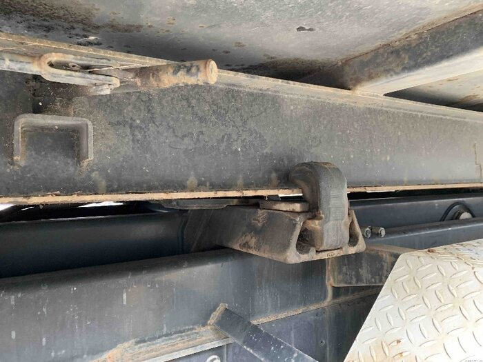 いすゞ ギガ 大型 アームロール コンテナ付き ツインホイスト|走行距離 6.4万km トラック 画像 トラックランド掲載