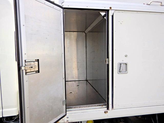 いすゞ エルフ 小型 アルミバン ボトルカー サイドドア|リサイクル券 10,540円 トラック 画像 トラック市掲載