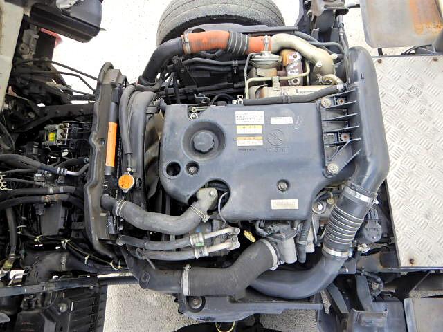 いすゞ エルフ 小型 アルミバン ボトルカー サイドドア|型式 BKG-NLR85N トラック 画像 栗山自動車掲載
