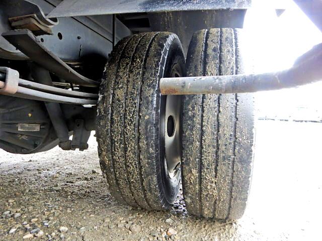 いすゞ エルフ 小型 アルミバン ボトルカー サイドドア|エンジン トラック 画像 トラスキー掲載